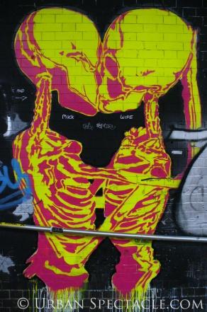 Street Art of London (Alien Kiss) 8.18.08