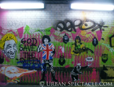 Street Art of London (God Save The Queen) 8.18.08